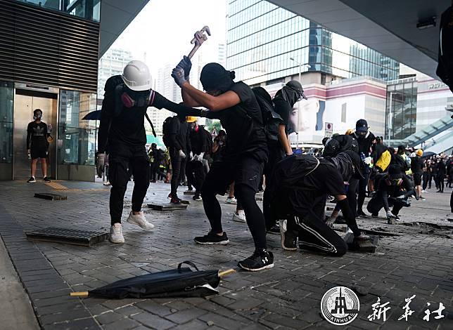 ตำรวจฮ่องกงชี้กรณีคนงานชราเหยื่อ 'ก้อนอิฐ' จากผู้ก่อจลาจลเป็นคดี 'ฆาตกรรม'