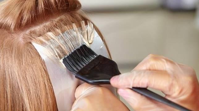 Produk pewarna rambut dikaitkan dengan risiko kanker. (Shutterstock)
