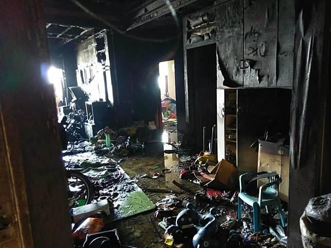 客廳被燒光