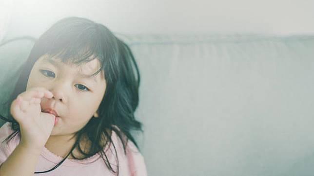 戒除這5個壞習慣,幫助孩子擁有一口整齊好牙