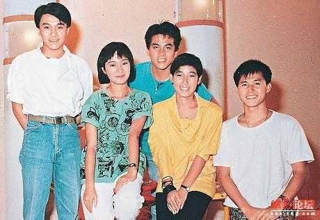 兒童偶像  芷珊姐姐跟周星馳、張國強、譚玉瑛都係兒童節目出身。