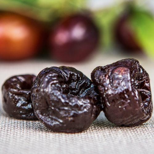 美國百年專營加州黑棗權威n顆顆超大多汁的加州黑棗n高纖與豐富維生素,高抗氧化力n口感滑潤,果肉好質感
