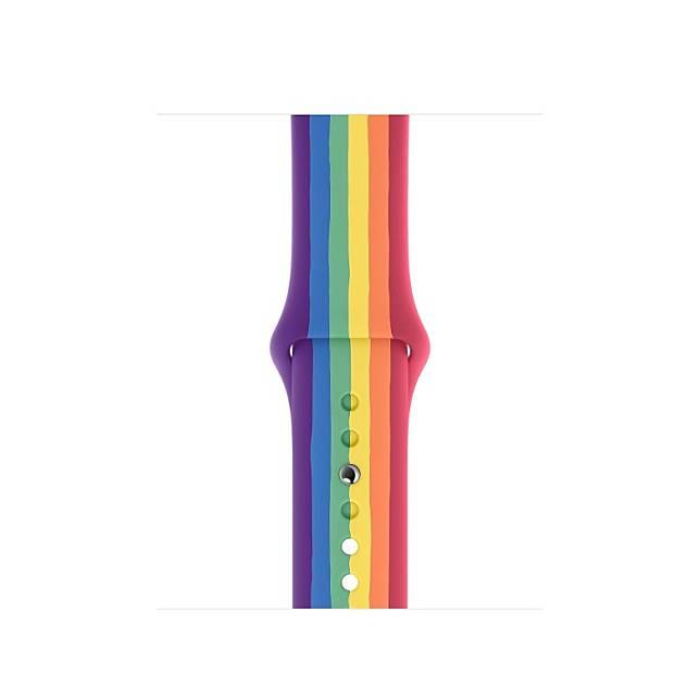 由人手將不同顏色的Fluoroelastomer色帶組裝在一起,每條錶帶均獨一無二。(互聯網)
