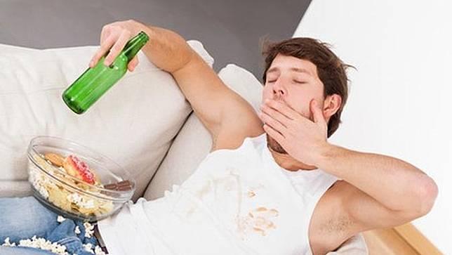 6 Efek Negatif Kebiasaan Tidur Setelah Makan bagi Kesehatan