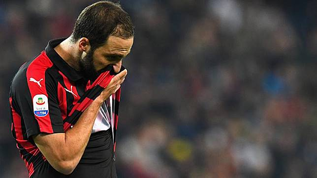 Transfer Gonzalo Higuain ke Chelsea Tertunda, Ini Alasannya