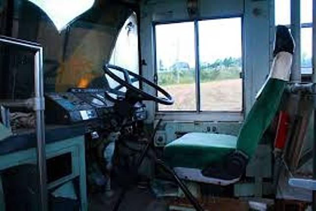 巴士已報廢不能開動,但車門還是可打開入內。(互聯網)
