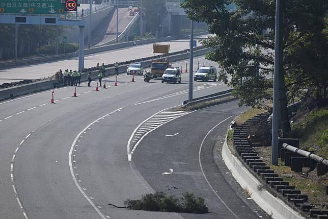 吐露港公路重開。