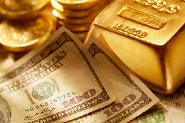 Harga Emas berjangka naik karena dolar dan ekuitas AS turun