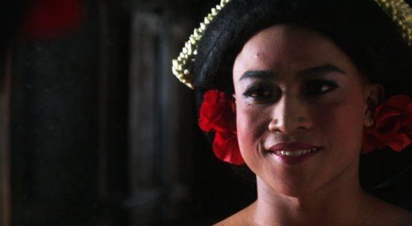 Film Kucumbu Tubuh Indahku mewakili Indonesia untuk bersaing di ajang Piala Oscar.