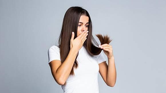 5 Tips Ampuh Atasi Ketombe Dan Kutu Rambut Yang Mengganggu