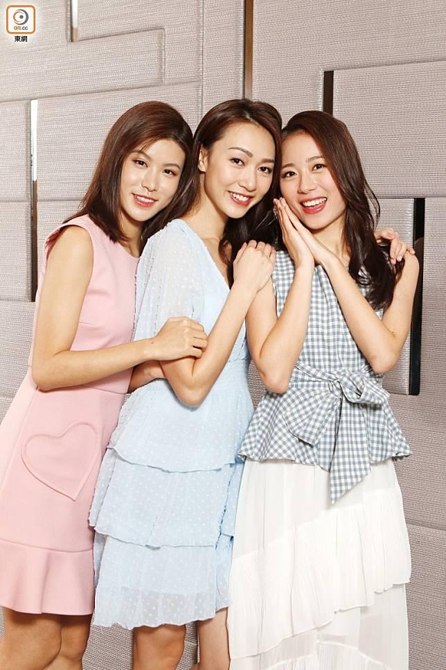 (左起)季軍古佩玲、冠軍黃嘉雯、亞軍王菲接受東網專訪。