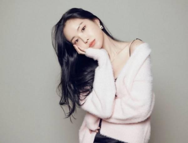 Bersiap Masuk YG Ent, 9 Potret Kece Son Naeun yang akan Fokus Akting