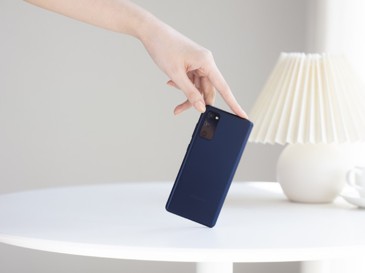 【新聞照片3】Samsung Care+用戶可享免費到府收送件、投保滿18個月免費更換電池等服務.jpg