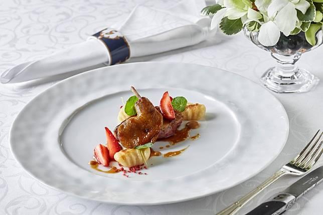 鮮嫩的法國乳配酒體飽滿的餐酒,令肉味層次更豐富。(互聯網)