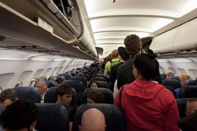 Sebab Dilarang Bawa Barang Lebih Dari 7KG Ke Kabin Pesawat