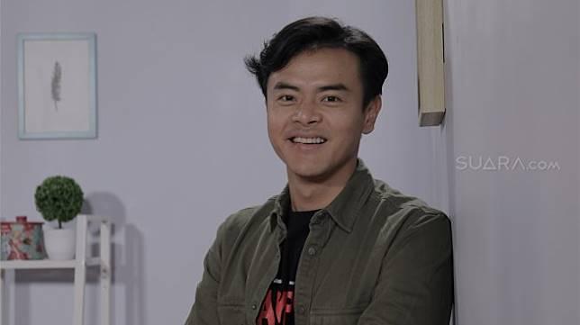 Kesulitan Dion Wiyoko Main Film Horor Lampor Keranda Terbang Suara Com Line Today