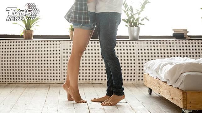 1對國中小情侶初嘗禁果,10年後男方對女方提告求償。(示意圖/TVBS)