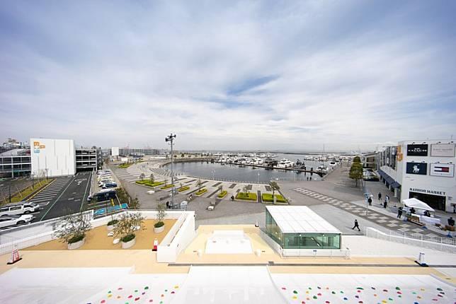 喺屋頂公園可以眺望東京灣海景,夠晒Relax呀。(互聯網)