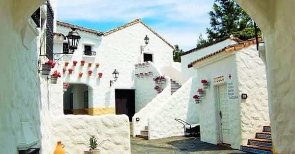 b926d2dc9c24 ここスペイン!? 三重にある「地中海村」の再現度が高すぎ - LINE NEWS
