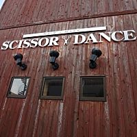 SCISSOR DANCE