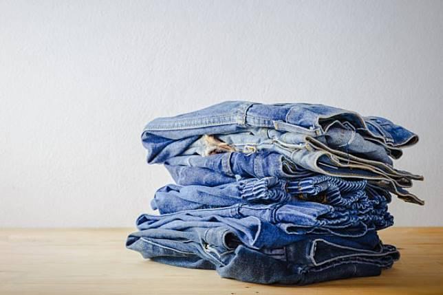 Mencuci Celana Jins Harusnya Seberapa Sering?