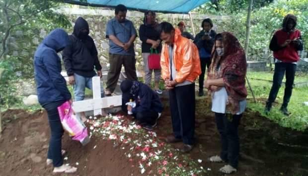 Pemakaman Otak Pembunuhan Pulomas Dihadiri 9 Orang