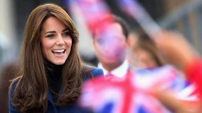 Lifestyle : Harganya Bikin Melongo Guys! Sepatu Boots Kate Middleton - Mau Tahu Harga Alas Kaki Sang Ratu?