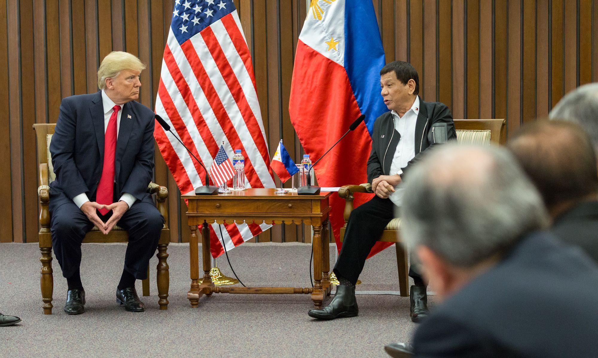 Đối phó Trung Quốc, Philippines âm thầm tái thiết quan hệ với Mỹ
